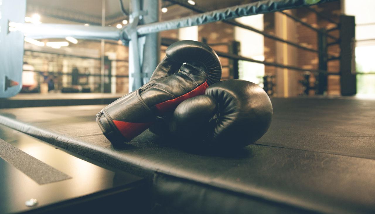Gants de boxe sur ring – Ain Sport Santé